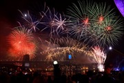 Sydney lung linh pháo hoa đón năm mới