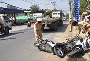 Chạy ngược chiều gây tai nạn, 2 người trọng thương