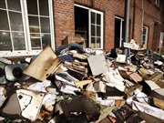 Một tạp chí ở Đức bị đốt phá
