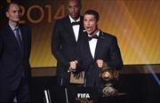 Ronaldo lần thứ 2 liên tiếp giành Quả bóng vàng