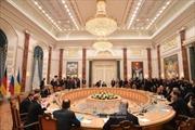 Hội nghị hòa bình Minsk kéo dài sang ngày 12/2