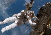 Các phi hành gia trên ISS hoàn tất chuyến ra ngoài khoảng không thứ 185