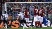 AS Roma cầm chân Juventus trên sân nhà