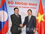 Phó Thủ tướng Phạm Bình Minh tiếp Phó Thủ tướng Lào