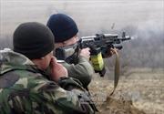 OSCE xác nhận quân đội Ukraine rút vũ khí khỏi miền Đông
