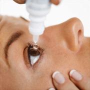 Lạm dụng thuốc nhỏ mắt dẫn đến mắc bệnh thiên đầu thống