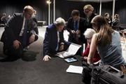 Bên trong phòng đàm phán thâu đêm về hạt nhân Iran