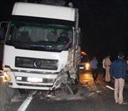 Hà Tĩnh: Xe tải đâm xe con, 2 người tử vong