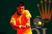 """Vô địch Monte Carlo, Djokovic sánh ngang """"huyền thoại sống"""" Roger Federer"""