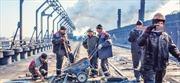 Ukraine: Khói vẫn bay lên từ nhà máy