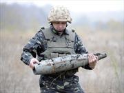Ukraine đình chỉ hợp tác quân sự với Nga