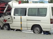 Hà Nội: Xe cấp cứu húc xe rơ-moóc, 3 người tử vong