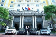 Mercedes-Benz Việt Nam bàn giao xe E-Class cho Hotel Royal Hội An
