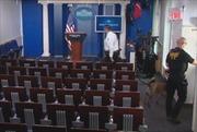 Phòng họp báo của Nhà Trắng bị sơ tán