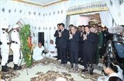 Đoàn đại biểu Việt Nam viếng Chủ tịch Thượng viện Campuchia