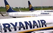Máy bay Ba Lan hạ cánh khẩn do nghi có bom