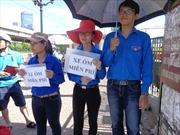 Không khí tình nguyện rộn ràng tại bến xe