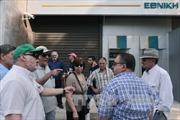 Hy Lạp mở lại ngân hàng phục vụ người hưởng tiền trợ cấp