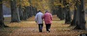Canada: Lần đầu tiên số người già vượt trẻ em