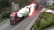 Xe tải bốc cháy lao khỏi đường hầm ở Trung Quốc