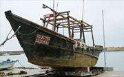 """Bí ẩn """"tàu ma"""" chở xác người trôi dạt vào bờ biển Nhật Bản"""