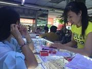 Thị trường vàng nữ trang sôi động