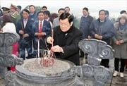Chủ tịch nước dâng hương tưởng nhớ lãnh đạo tiền bối