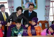 Lãnh đạo Đảng, Nhà nước chúc Tết và tặng quà người nghèo