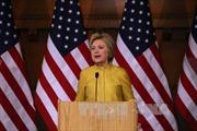 Bất chấp thất bại, ứng cử viên Clinton và Trump vẫn dẫn đầu