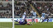 Bị Newcastle cầm hòa, Man City vỡ mộng vô địch
