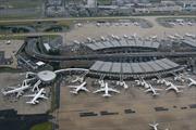 Pháp rà soát sân bay Charles de Gaulle sau vụ máy bay rơi