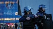 82 nhân viên an ninh EURO nằm trong danh sách tình nghi khủng bố