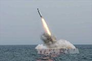 Tên lửa Triều Tiên nổ tung, rơi xuống biển Nhật Bản