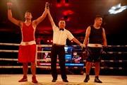 Thua 10kg võ sĩ boxing vẫn thắng đối thủ