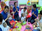 Tân Hiệp Phát tặng quà Trung thu cho trẻ em mắc bệnh hiểm nghèo