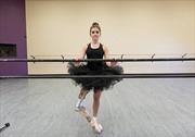 Nghị lực phi thường của vũ công ballet với cẳng chân giả