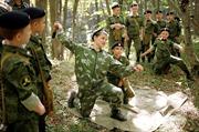 Các chiến sĩ nhí nhiệt huyết của Nga