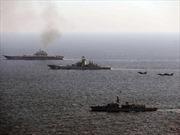Máy bay, tàu chiến Anh 'kè kè' giám sát tàu sân bay Nga