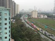Xem cảnh dòng xe ùn ùn về Thủ đô sau Tết