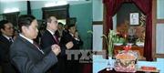 Đồng chí Nguyễn Thiện Nhân dâng hương tưởng niệm Bác Hồ