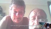Bố mẹ tá hỏa chứng kiến qua Skype cảnh con nhảy khỏi máy bay