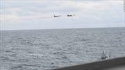 Xem Su-24 Nga 'quấy rối' tàu chiến Mỹ trên Biển Đen