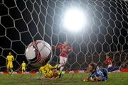 Man Utd bị cầm hòa trên 'mặt ruộng mới cày xong'