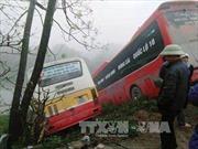 Xe khách, xe buýt mất lái lao xuống bờ sông cùng địa điểm, một người tử vong