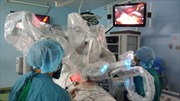 Ứng dụng robot phẫu thuật điều trị thành công nang ống mật chủ