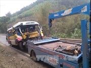 Tai nạn liên hoàn giữa xe buýt và 3 xe tải, ít nhất 7 người nhập viện