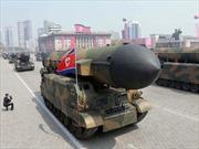 Giữa nước sôi lửa bỏng, ông Trump được khuyên dỡ bỏ trừng phạt Triều Tiên