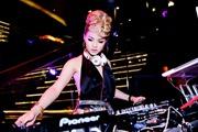 DJ bốc lửa MeLo từ bỏ 'phù thủy âm thanh' để theo nghiệp người mẫu