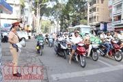 Từ hôm nay, Cảnh sát giao thông TP Hồ Chí Minh phát loa tuyên truyền vào giờ cao điểm
