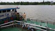 Khởi tố vụ án sà lan đâm chìm tàu cát khiến hai mẹ con tử vong trên sông Sài Gòn
